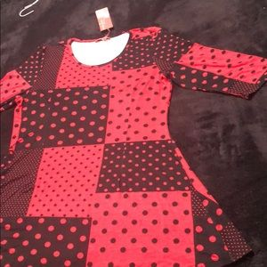 3/4 Sleeve Red & Black Dots Tunic